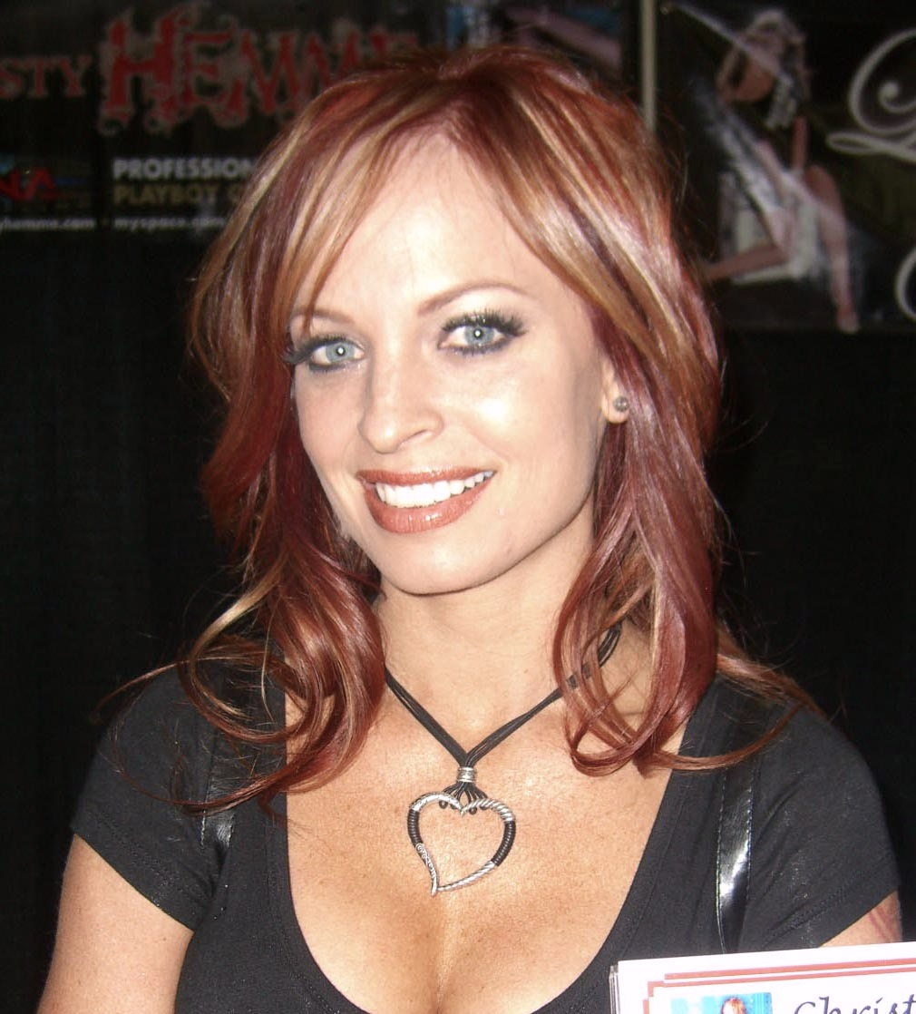 Wwe christy hemme playboy foto 4