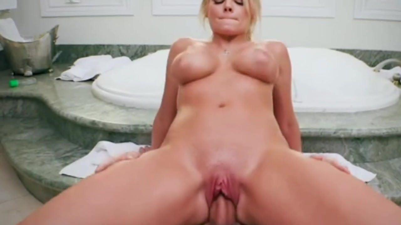Big bouncing natural tits compilation porno foto 2