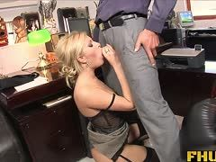 Fette sekretärin blowjob und büro ficken