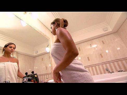 Heiße blonde frau betrügt ehemann porno