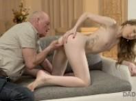Wilde hardcore jungfrau anal asian