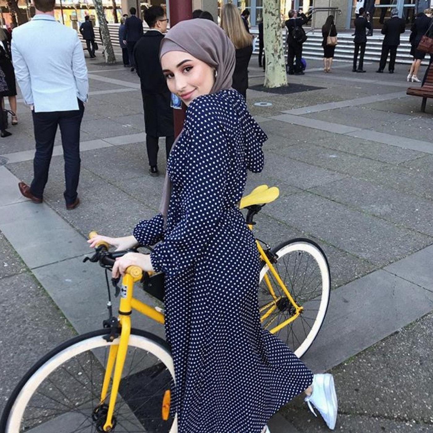 Muslimischer hijab sex im auto foto 2