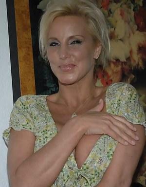 Blonde milf nackt porno foto 2