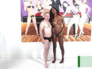 Ladyboy fickt kerl pornobibliothek foto 1