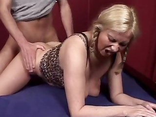 Deutsche mama blonde amateur foto 1