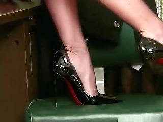 Jungfrau blond bekommt tiefe anale penetration