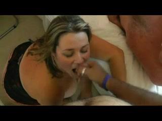 Frau schluckt fremde sperma porno tube