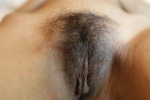 Haarige muschi nackte Haarige behaarte