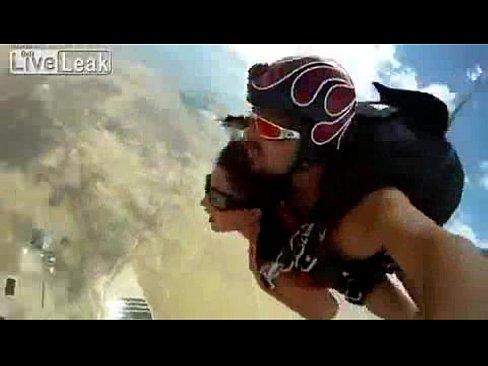 Sex fallschirmspringen sex video
