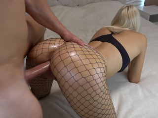 Gloryhole blowjob blondine schluckt sperma tmb